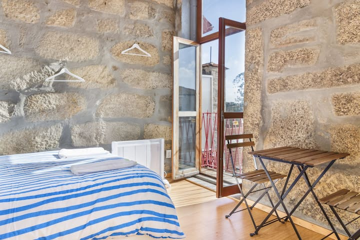Basic Studio With Top Location and Views . Carmo 4