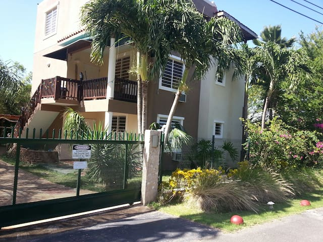 2 Bedroom Apt in Shack's Beach Area - Aguadilla - Byt