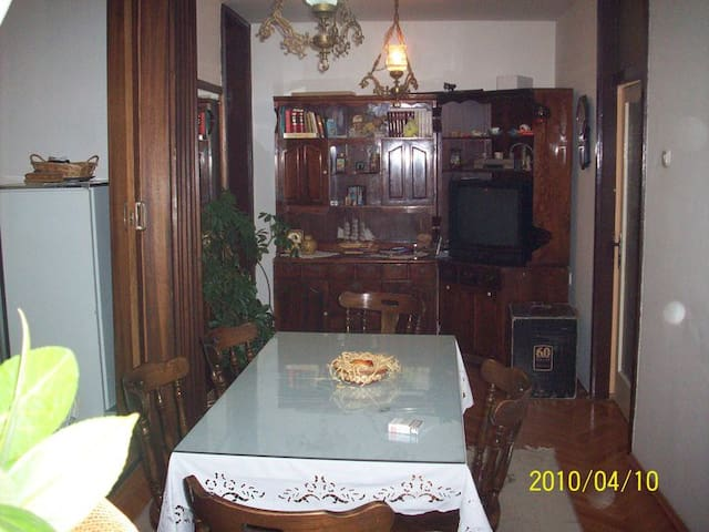 apartman natka $ 10 for 1 person - Ohrid - Bed & Breakfast