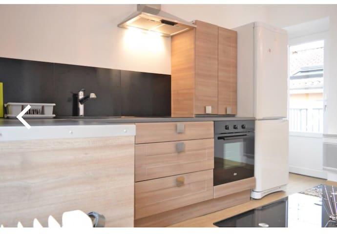 MÂCON Gare - Appartement en duplex avec 2 balcons