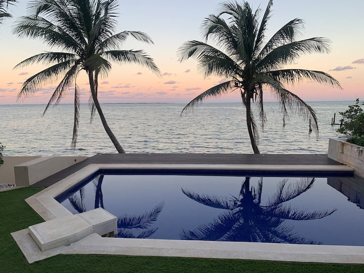 6BR Ocean Front Hotel Zone Luxury House