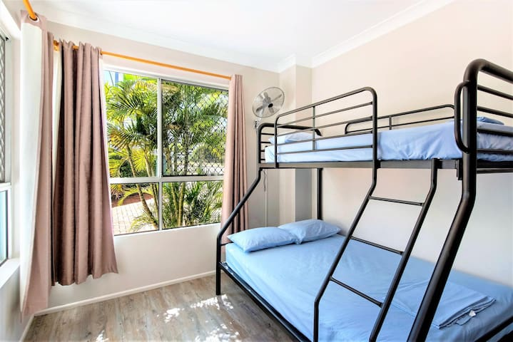 Fascinating Double Or Twin With Shared Bathroom At Southport