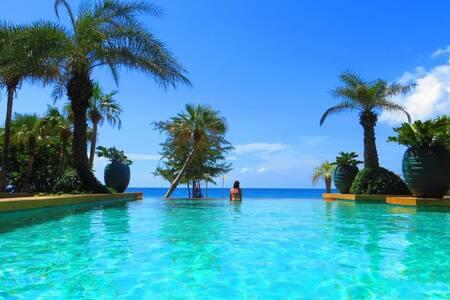 Phuket  apt on Karon beach  Sleeps 5 rim flow pool