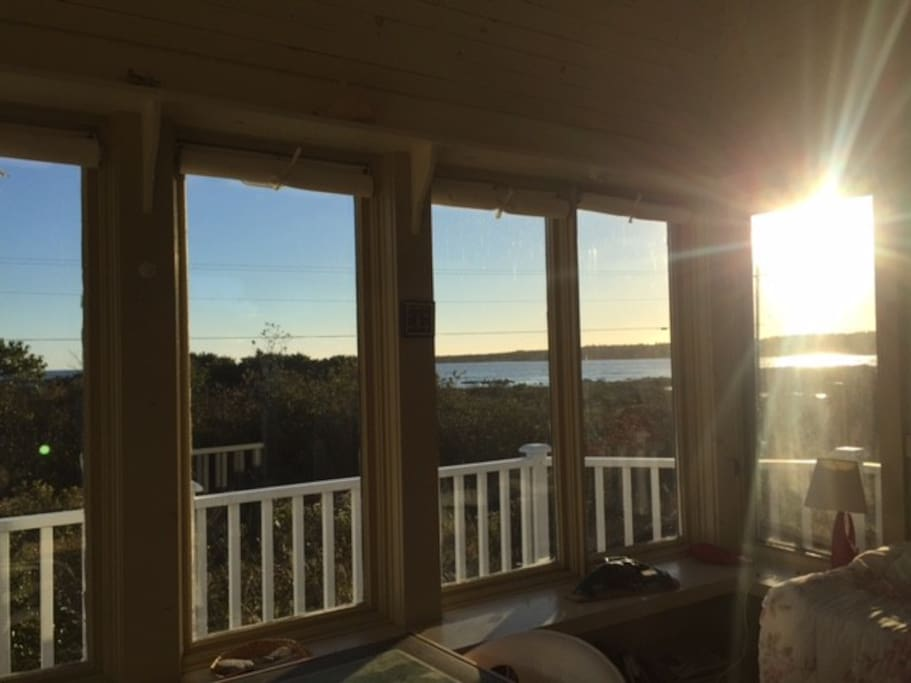 The bunkhouse, two single beds and one panoramic views.