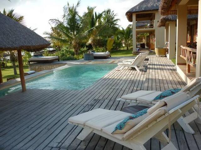 Vilanculos beachfront luxury lodge two