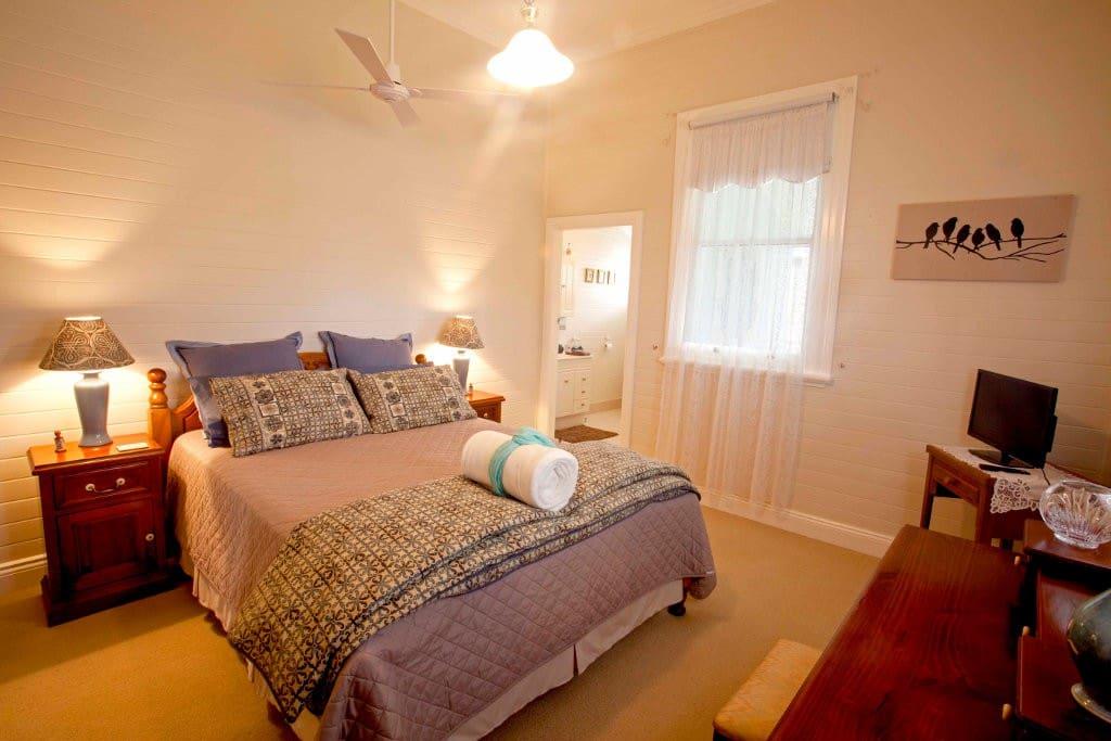 b b blackbird room chambres d 39 h tes louer dungog nouvelle galles du sud australie. Black Bedroom Furniture Sets. Home Design Ideas