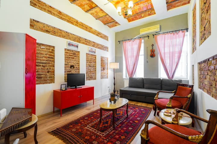 Galata Charm W/ Exclusive Rooftop Terrace