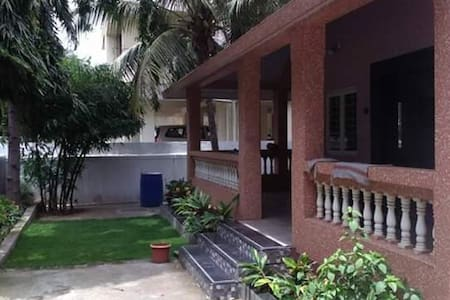 pimpri-chincwad,private room in spacious bungalow1