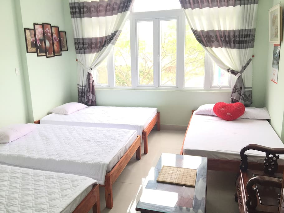Dorm rooms with 4 people, each person 150.000VND/night