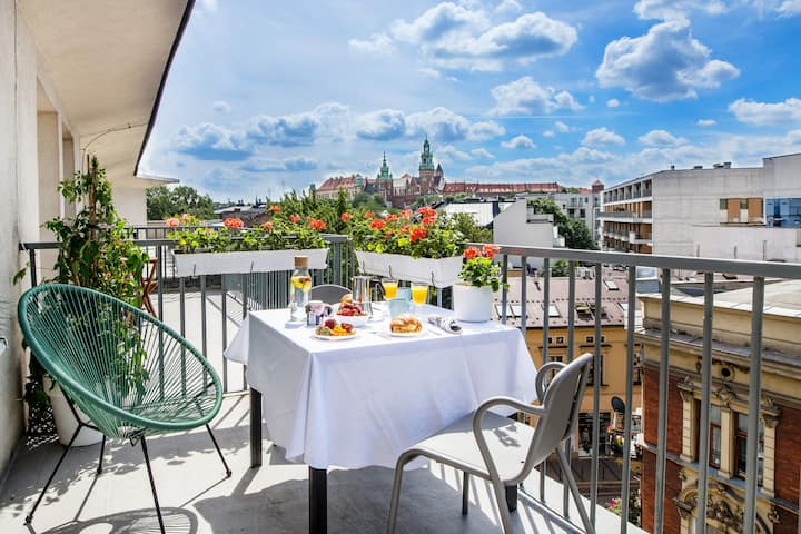 Best castle view and private terrace in Old Town 1