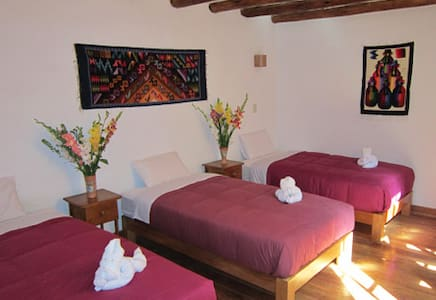 ByB Wasi Picaflor Triple room with Bathroom - Ollantaytambo - Bed & Breakfast