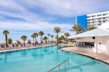 Hilton Clearwater Pool
