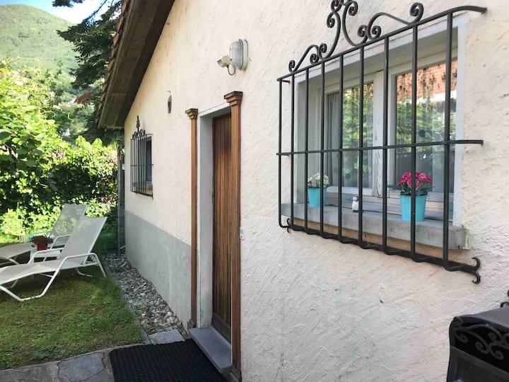 Ferienwohnung - mini Haus mit Pergola