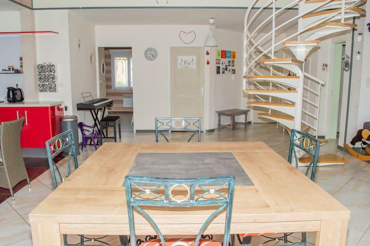 Maison spacieuse entre océan et vignoble