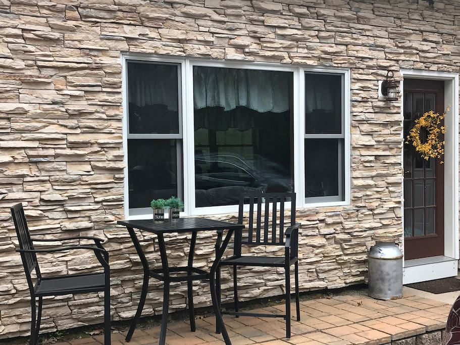 Front patio guests are welcome on