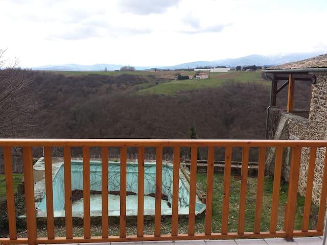 Entre la montagne et la vigne - Condrieu - Casa