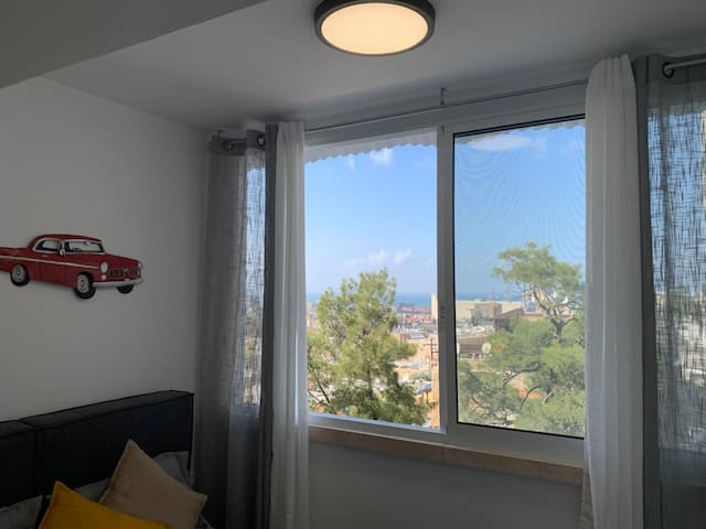 Glamorous 5 Star Bed&SEA View in CityCentre-NTFLX★