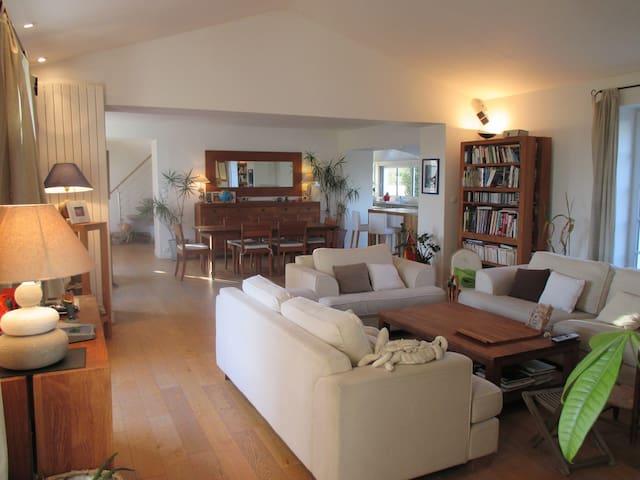 Superbe villa à 2 pas de la mer - Château-d'Olonne - House