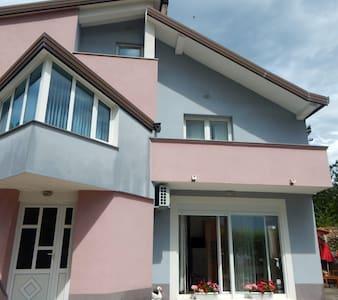 Hillside cozy Studio Apartment, Imotski-Makarska