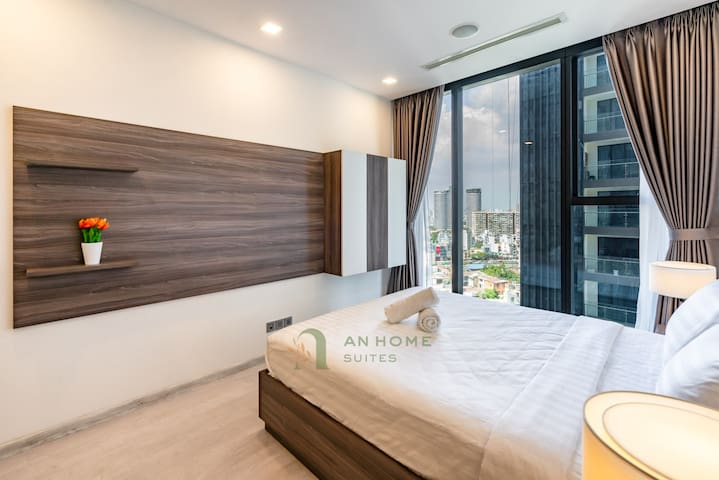 Urban Suites| Sleek Design & Lovely View in Center