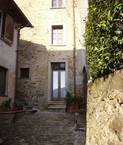 Romantic  House,  Alpi Apuane  - Stazzema