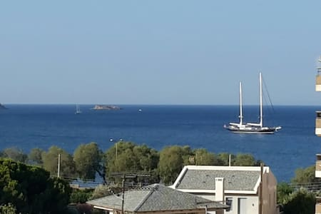 Exclusive sea view apartment, 150m. from the beach - Voula - Apartamento