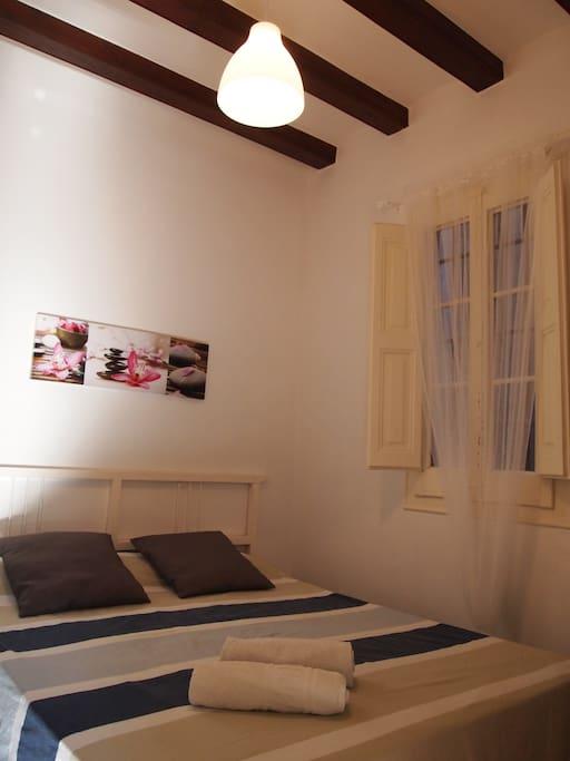 Habitacion centro barcelona departamentos en alquiler en for Habitacion 73 barcelona
