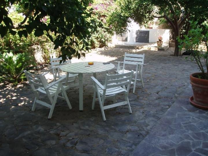 Deliziosa casa con giardino/Nice house with garden
