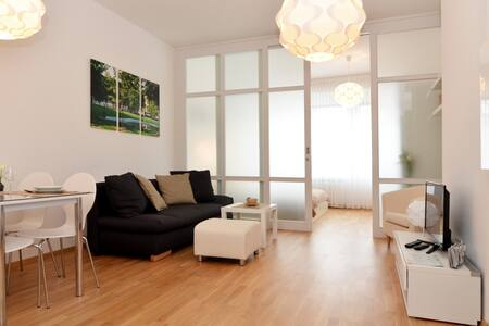 NEW, perfect LOCATION, modern,cosy