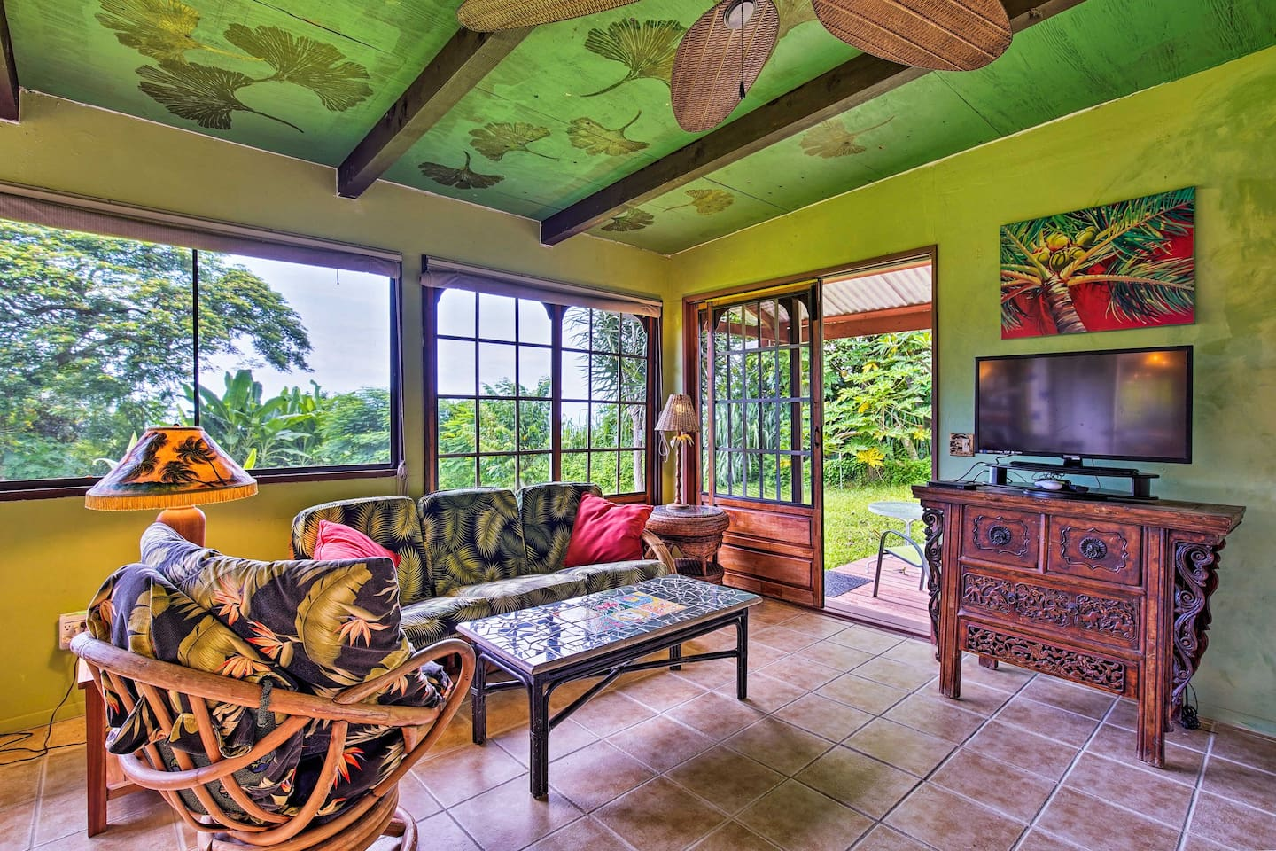 Inside the vacation rental, you'll find all of the comforts of home for 2!