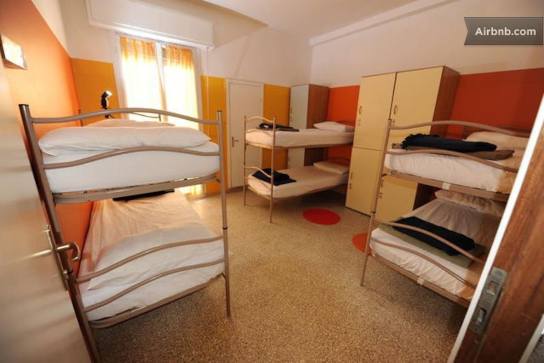 Dorm 6 bed Private Ensuite