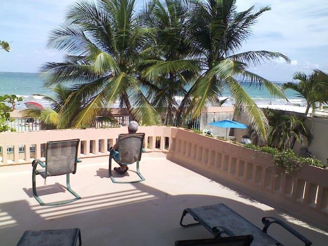 Beautyfull Beach front apartment - San Juan - Apartamento