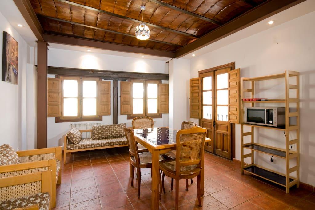 Bed sit en casa con patio andaluz h user zur miete in - Fotos patio andaluz ...