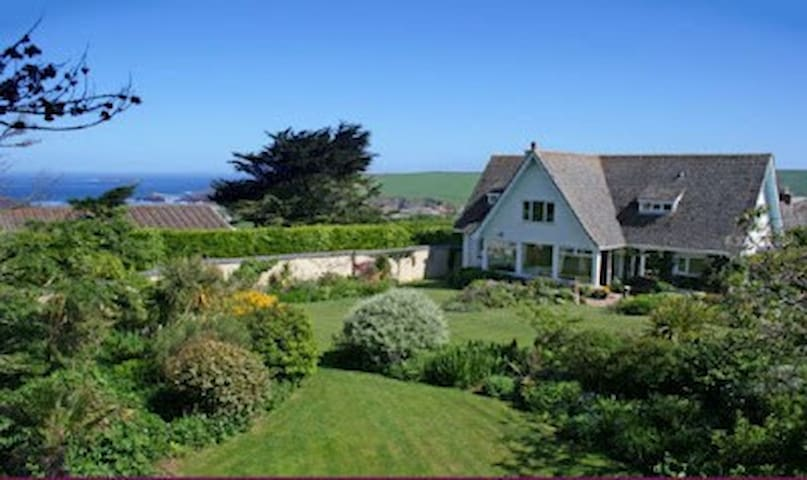 Stunning 5 * Cornish Coastal Home - Trevone - Casa