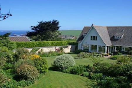 Stunning 5 * Cornish Coastal Home - Trevone
