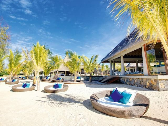 4 bedroom Villa - Golf  Sea View - Bel-Ombre - Huvila