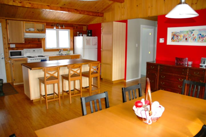 3 bdrm cottage in Eastern Townships - Mansonville - Casa