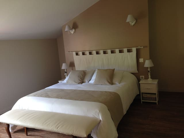 Double room-Bambou / Poème / Swing-Ensuite with Shower