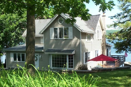 Graywood South on Conesus Lake Vacation Cottage - Geneseo - บ้าน