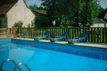 Villa Bastien- Verdeney - House