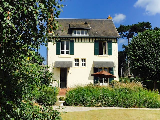Deauville Normandy Charming house close to the sea - Benerville-sur-Mer - Huis