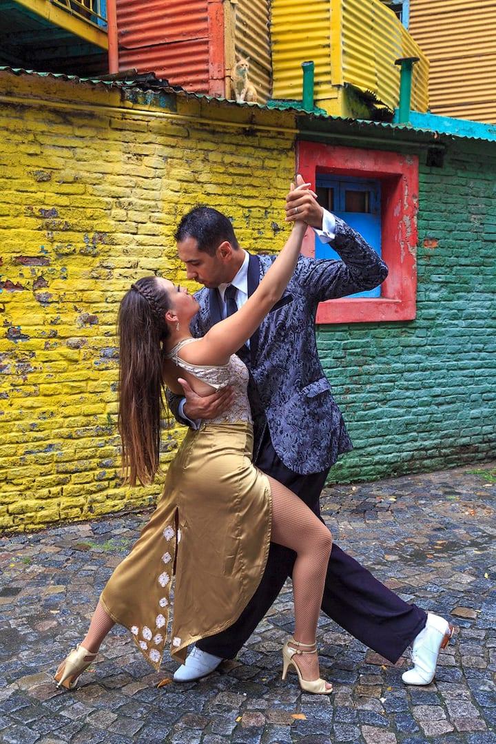 Tango. Caminito, La Boca, Buenos Aires.