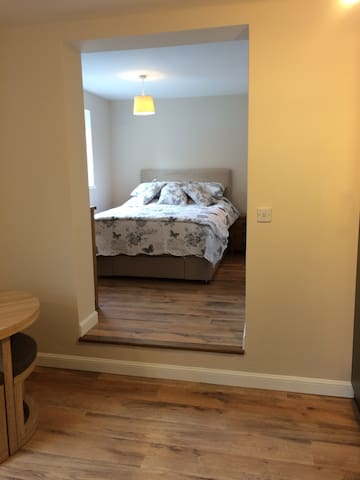 Spacious apartment,refurbished and self-contained. - Bradwell-on-Sea - Byt