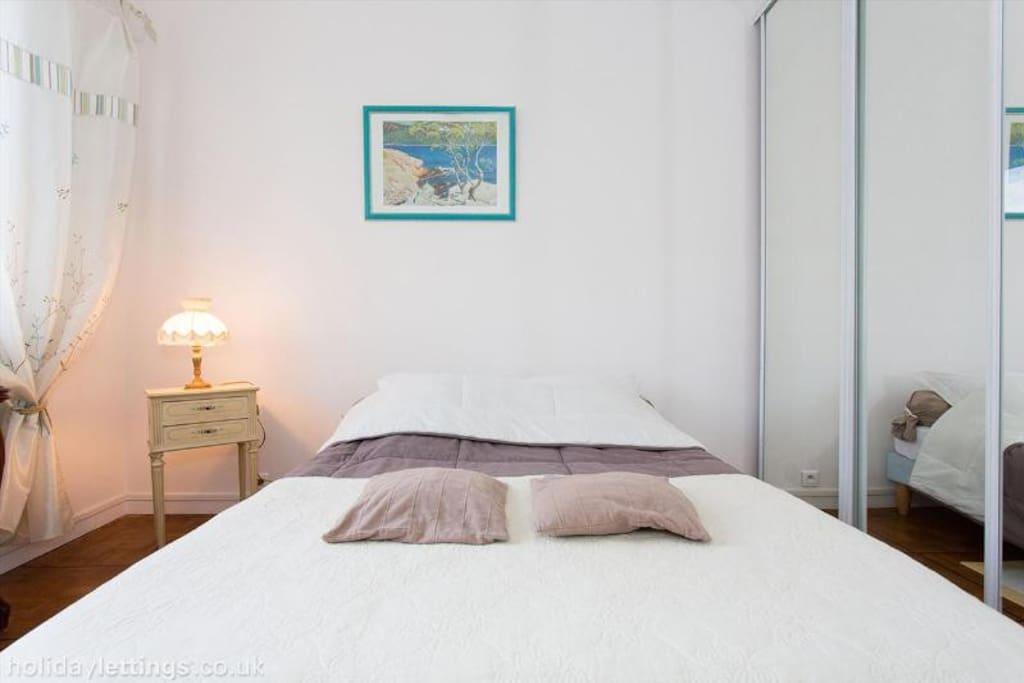 Chambre a 2 pas de la mer appartements louer nice for Chambre a louer sur nice