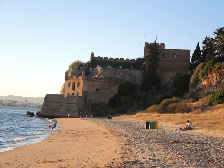 Beach and castle - Ferragudo