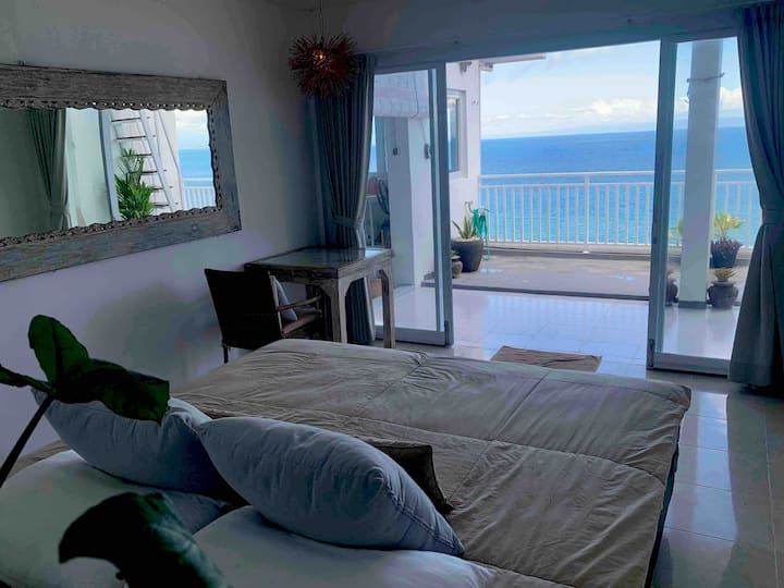 BeachFront Cliff Top House Casa Poema Bali