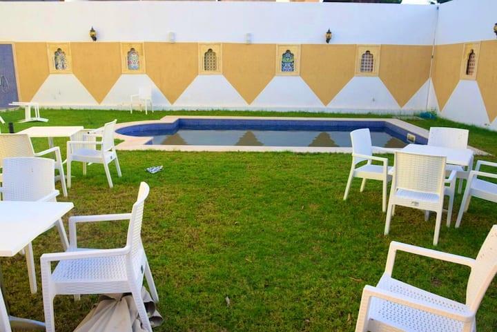 Villa mit 5 Schlafzimmern in Monastir mit privatem Pool, eingezäuntem Garten und W-LAN - 200 m vom Strand entfernt