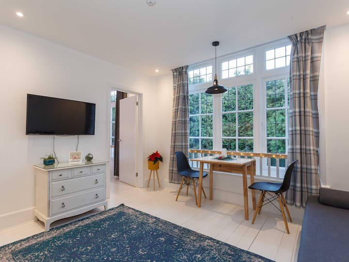 Modern apartment, close to Bournemouth Gdns