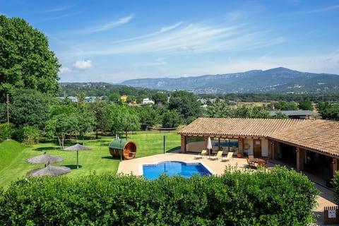 Vakkert hus på landet med basseng og bbq -ELS CINGLES
