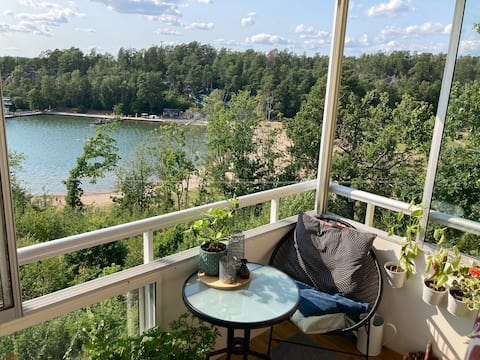 Wonderful location with sun on the balcony near commuter trains
